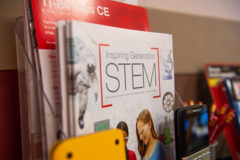 TRIO SSS-STEM Program Creates Pathway to Success for Islander Students
